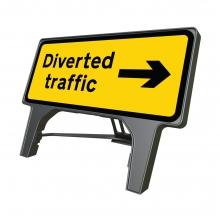 Reversible Arrow Diverted Traffic Q-Sign (P2703)
